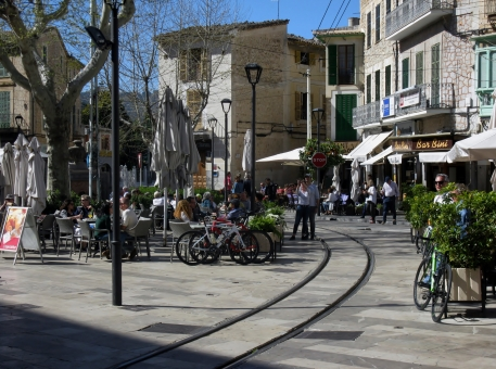 Square life, Soller